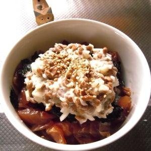 「ねばねば納豆の漬け丼」ふんわり、ねばねばのマヨ納豆の乗った食べ応えのある簡単漬け丼です♪【楽天レシピ】