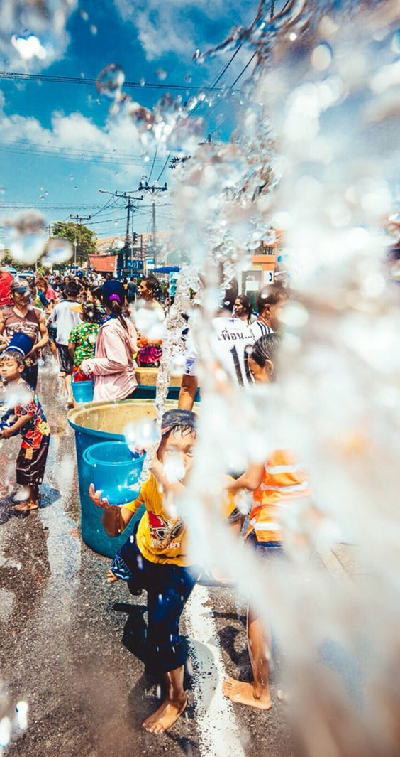 songkran 2017 water splash