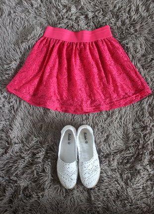 Kup mój przedmiot na #vintedpl http://www.vinted.pl/damska-odziez/spodnice/18746983-rozowa-koronkowa-spodniczka-terranova