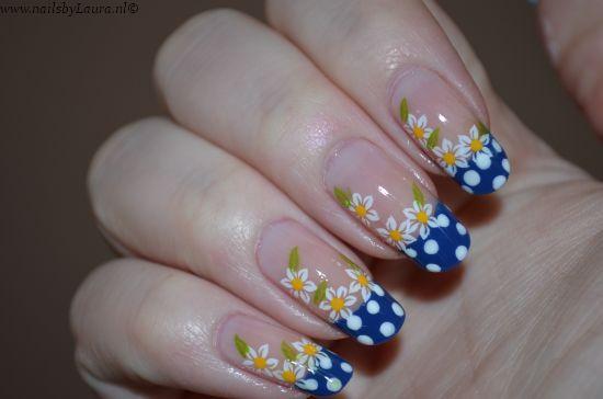 Mooie lentenagels van Nailsbylaura.nl