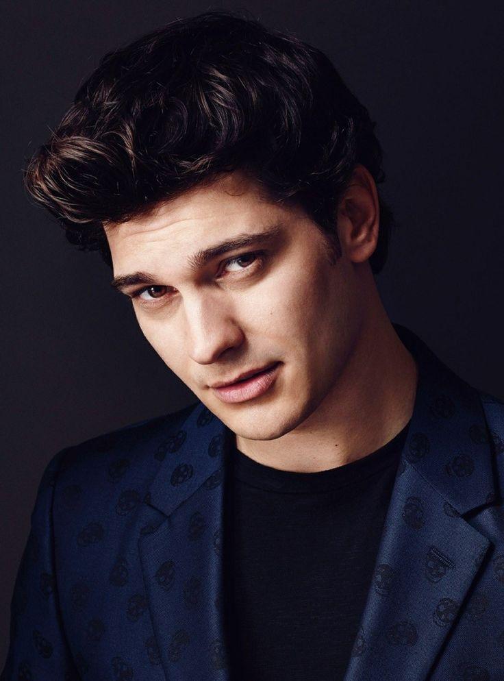 Turkish Actor - Çağatay Ulusoy
