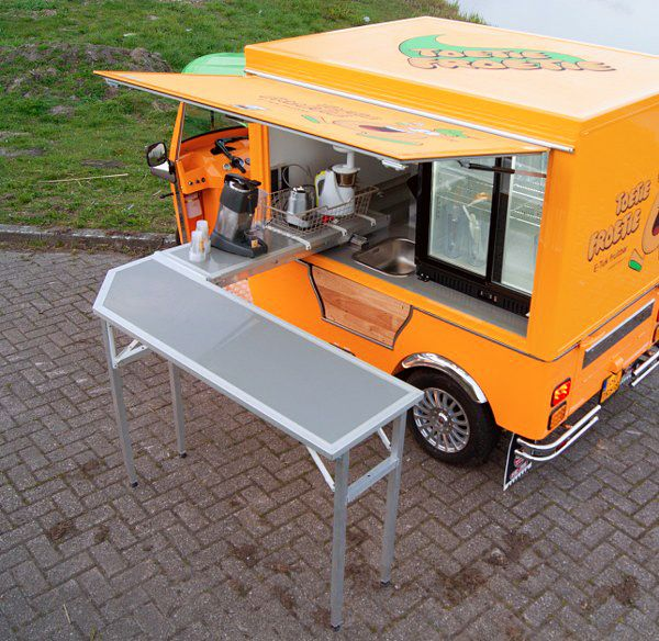 Tuk Tuk Factory unveils an all-electric food cart, the e-Tuk Vendo, and its first customer plans to use it to provide fresh fruit shakes and fruit cups.