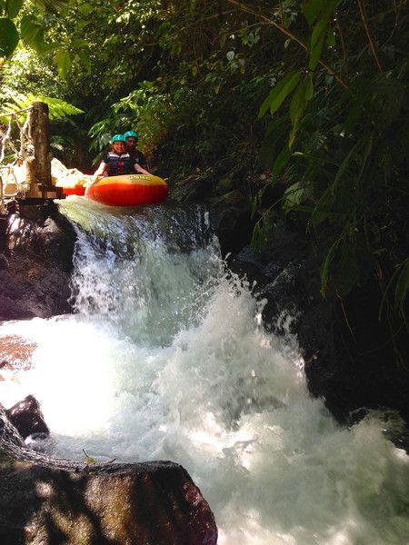 RobinGoesTo, canyon tubing, Siap River, Bali   RobinGoesTo.com