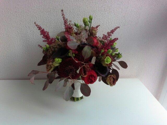 Букет невесты в цветы марсала. Для заказа пишем в сообщения.