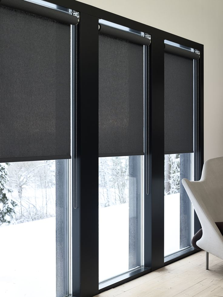 Woodnotes roller blinds Vista paper yarn cotton fabric col. black. Minimalistic. Nordic.