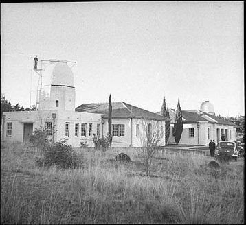 Mt Stromlo Observatory outside Canberra, June 1938 / Sam Hood | Flickr : partage de photos !