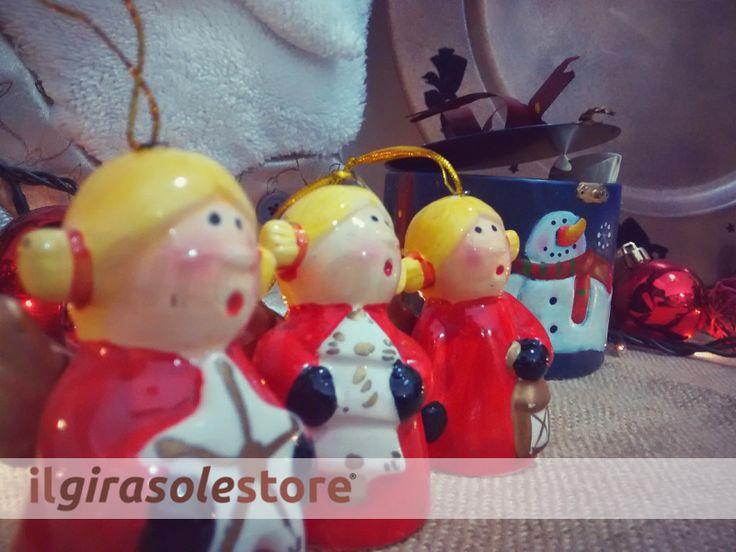 Campanella in ceramica da appendere sull'albero di Natale.  Altezza 8 cm, battacchio in ceramica, figure assortite.