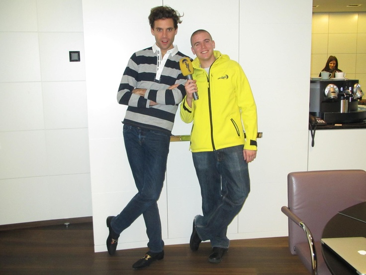 Mika and interviewer?
