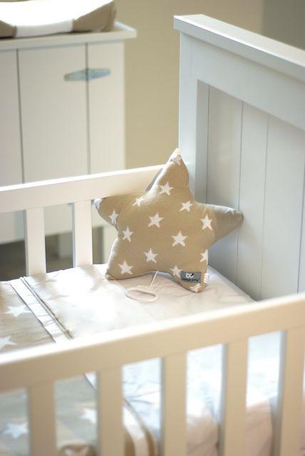Baby's Only muziekdoos ster beige / wit uit de online shop van Babyaccessoires.eu. In allerlei kleuren.
