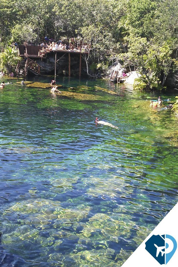 Tulum El cenote Cristal, conocido también como Naharon, es un cenote abierto de aguas cristalinas. Su vegetación y los alrededores te sitúan en un paisaje precioso. Poder bañarte aquí rodeado de palmeras es una buena idea, y es que refrescarse en un cenote nunca sienta mal.