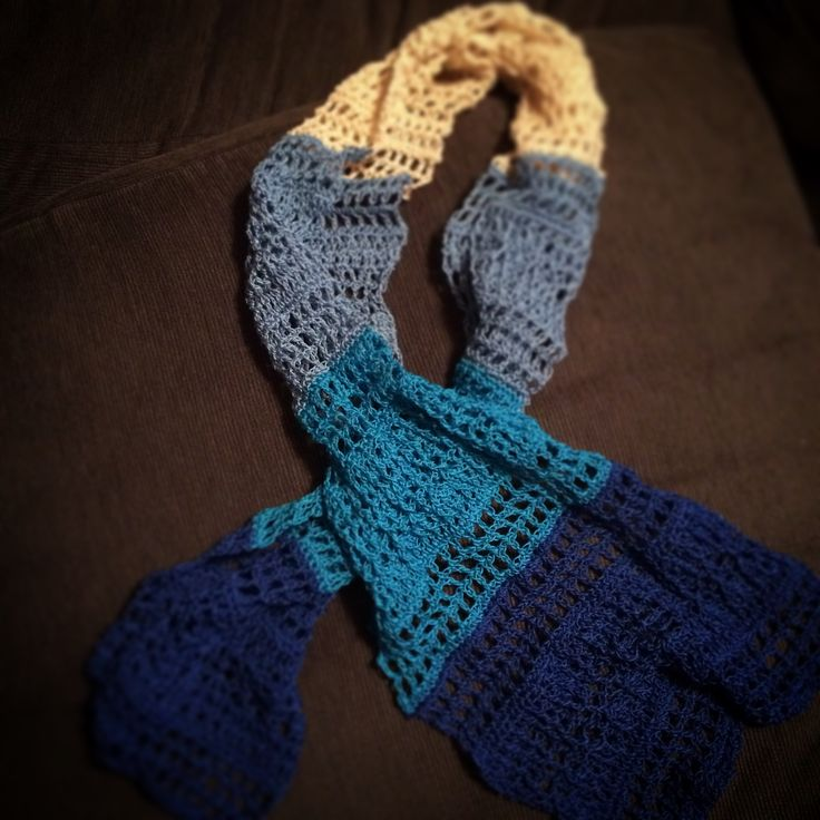Blue sky hug scarf from the March littleboxofcrochet with spincuhions