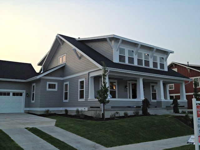 craftsman home....I would gladly take this one too if I can't have my log home!