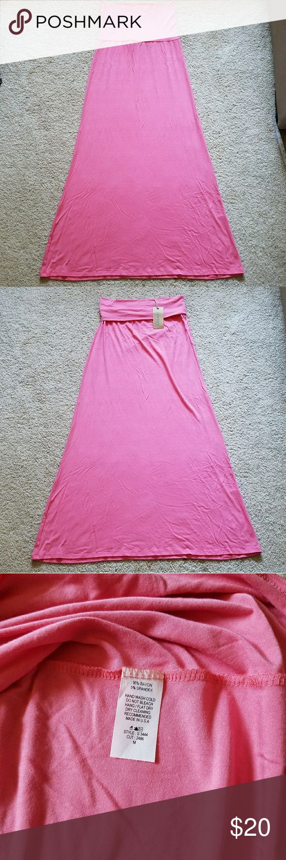 NWT Coral Maxi Skirt NWT Coral Maxi Skirt. Pictures are true color. The last two are stock photos.    I bought for myself, but it's too tight on me for my comfort. This will be perfect if you are a true size 8 or smaller.   Material is on the thinner side, I would personally wear a slip with it for modesty. Super soft & stretchy. Only tried on & then stored.   Cross Posted.   PRICE FIRM unless bundled.   ✔Questions, 🚫Trades,🚫smoking 🐶 Friendly home. Corner Clothing Skirts Maxi