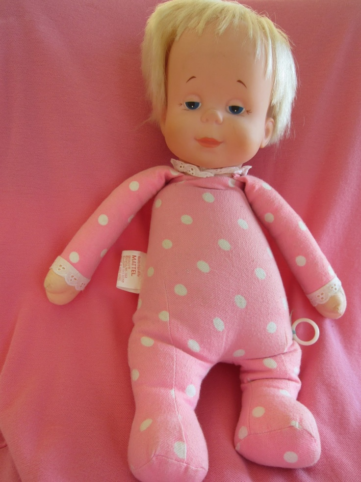 Drowsy,my fav doll when i was little. She talked! I loved her so much that i wanted Aliya to have one, but they had stopped making her : ( When they started remaking her about 5 yrs ago Jeff bought me one Lol