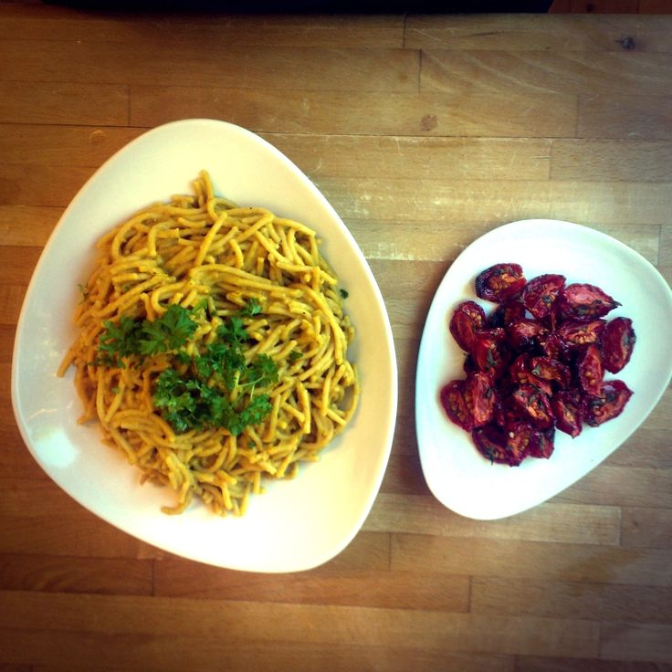Cannellini pasta with homemade dried tomatoes #vegan #HCLF