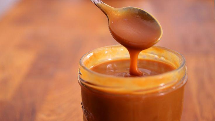 Salted Caramel (Salzkaramell):  Für 400-500ml:  – 6 EL Wasser – 200g Zucker – 220ml Sahne – 20g Butter – 1TL Vanille-Extrakt – 1/2 TL Meersalz