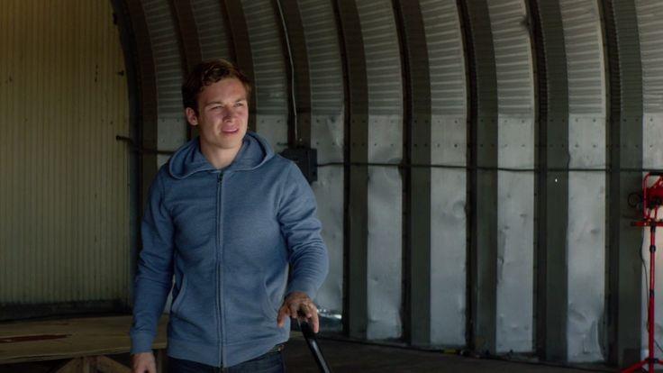 Finn Cole with Faherty Heather Zip-Up Hoodie Jacket in Animal Kingdom - Season 2 Episode 4