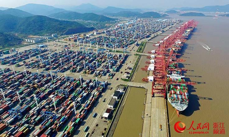#Ningbo #Zhoushan Port becomes #China's first port with annual cargo exceeding 900 million tons. via TW by People's Daily,China ‏@PDChina