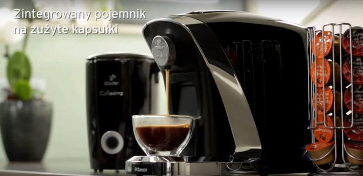 Masz ochotę na filiżankę idealnego espresso, americano czy caffè crema? Wystarczy wcisnąć jeden przycisk! Ekspres Tchibo Cafissimo Saeco TUTTOCAFFÈ to kawowy ekspert, który odkryje przed Tobą świat wspaniałych smaków i aromatów.  Zobacz więcej na www.bit.ly/CafissimoTuttocaffeNero