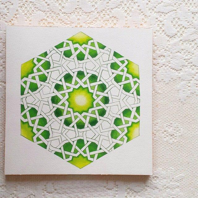 "266 Likes, 28 Comments - Samira Mian (@samira.mian) on Instagram: ""Woah woah woah... I seem to have created some kind of geometric homage to algae... #pattern…"""