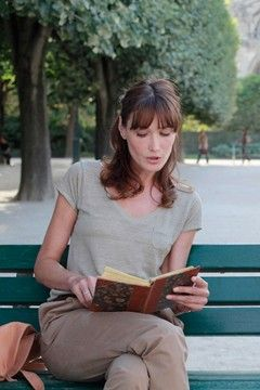 Carla Bruni's hair in Midnight In Paris