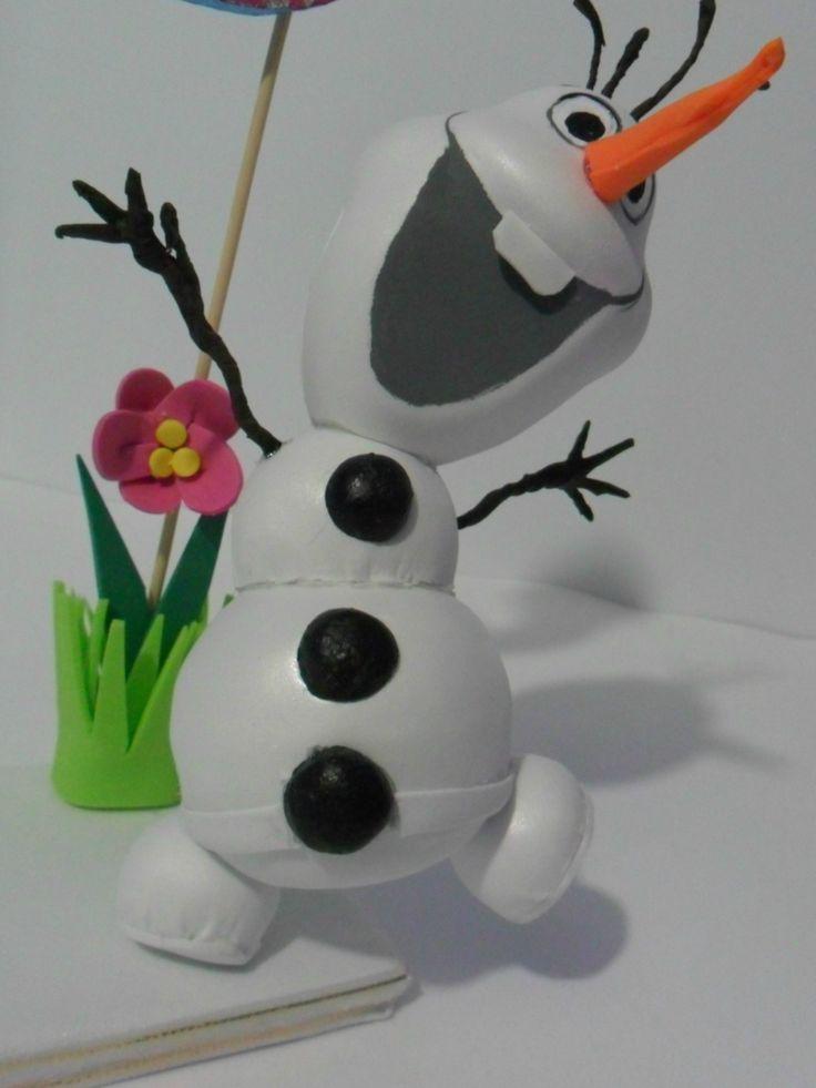 Olaf es el nombre de este muñeco de nieve