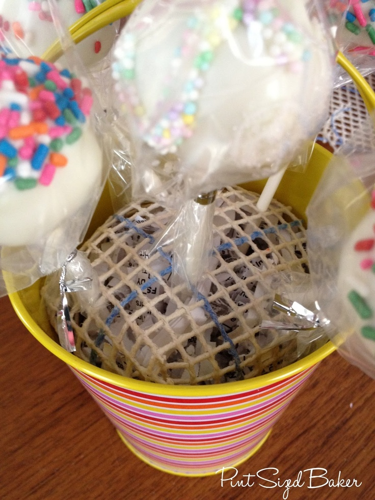 Pint Sized Baker: How to Make a Pretty Cake Pop Gift Container + A Giveaway