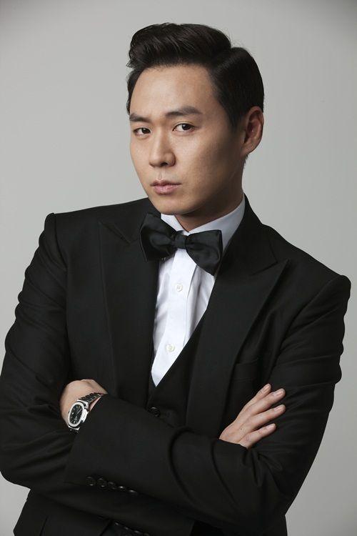 yeon jung hoon mask pinterest ile ilgili görsel sonucu