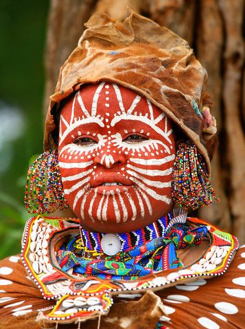 Africa | Kikuyu woman.  Kenya | ©Anna Omelchenko