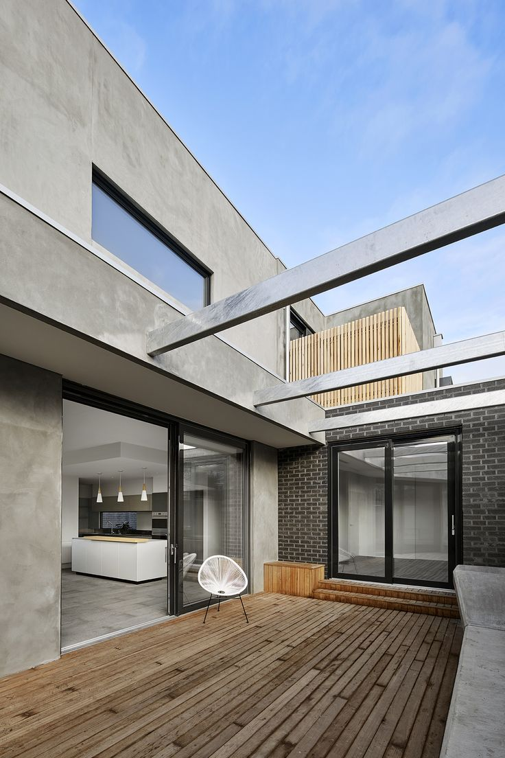 Northern courtyard, opening from the kitchen, dining and living spaces.