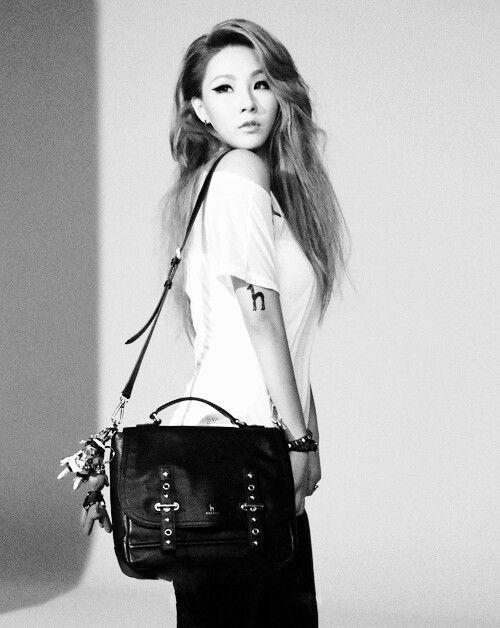 Pin by ♡ 𝐽𝑢𝑙𝑖𝑎 𝑳𝒂𝒅𝒚 𝑩𝒐𝒔𝒔 on CL Chaelin / Chaerin Lee in