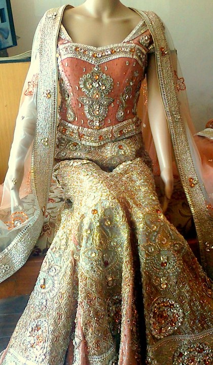 I would love to wear this for an event, or even a con. It is stunning