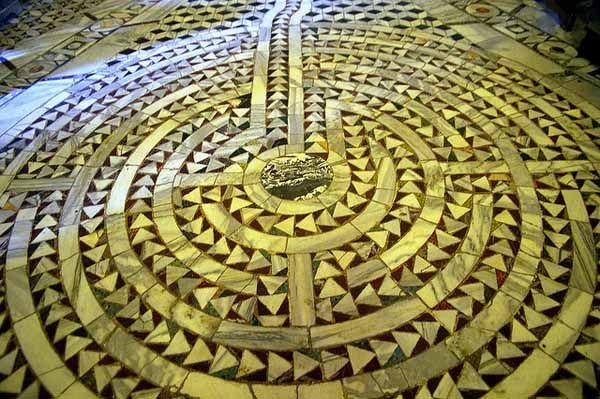 Labirinto pavimentale dalla chiesa di San Vitale (Ravenna)