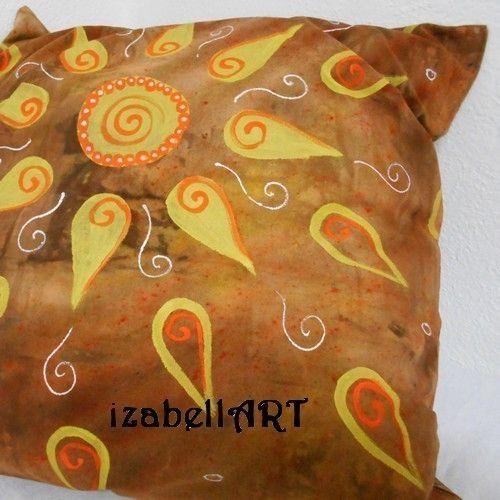 Originální povlak na polštář, zdobený sypanou batikou a ručně malovaný barvami na textil