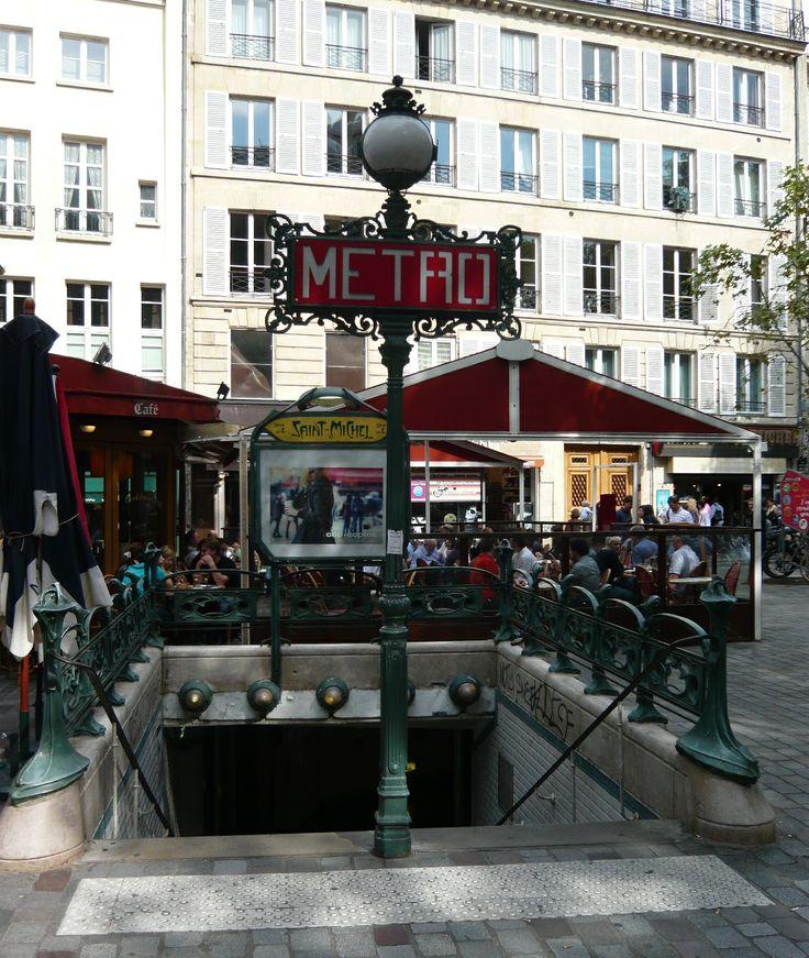 Paris, Métropolitain, Entrée de la station Saint-Michel 3, arch. Hector Guimard
