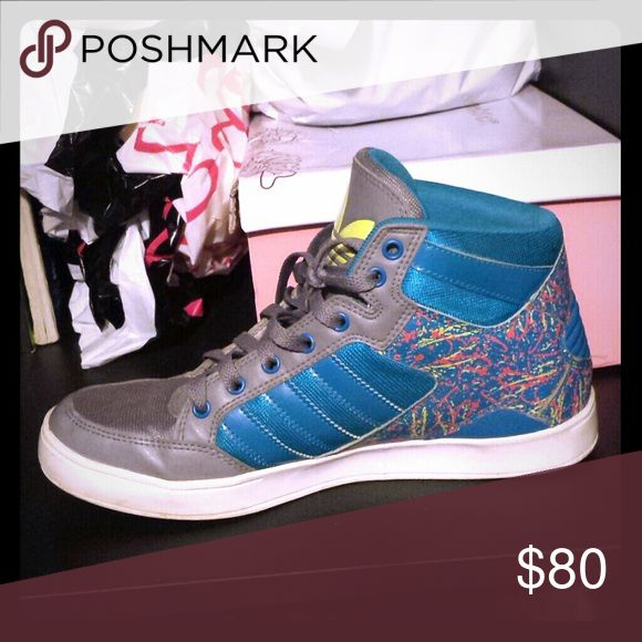 ADIDAS SNEAKERS! MEN's Size Green , blue and other mix of colors ADIDAS !!!! Great for a dope sense of style! And sports wear* Also this is in MENS SIZES. WOMEN's  SIZE WOULD BE 8.5 This does not come with a box Adidas Shoes Sneakers