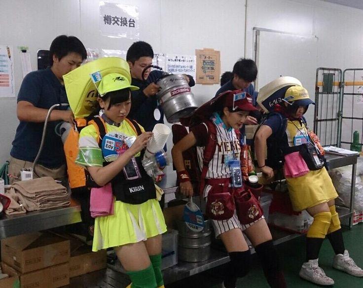 Tumblr: hirusai:    junmyk:  ビールの売り子の樽交換シーンwwwwwwwwwww(画像あり) : スコールちゃんねるちゃんまとめブログ  現代における艦むす