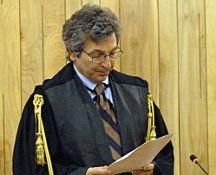 Cronaca: #Bufera sul #Presidente Tribunale Bologna schierato per No: Csm apre pratica. Rischia il... (link: http://ift.tt/2gC1lux )