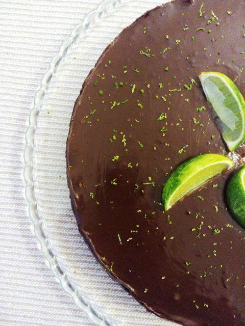 Torta de chocolate e lima