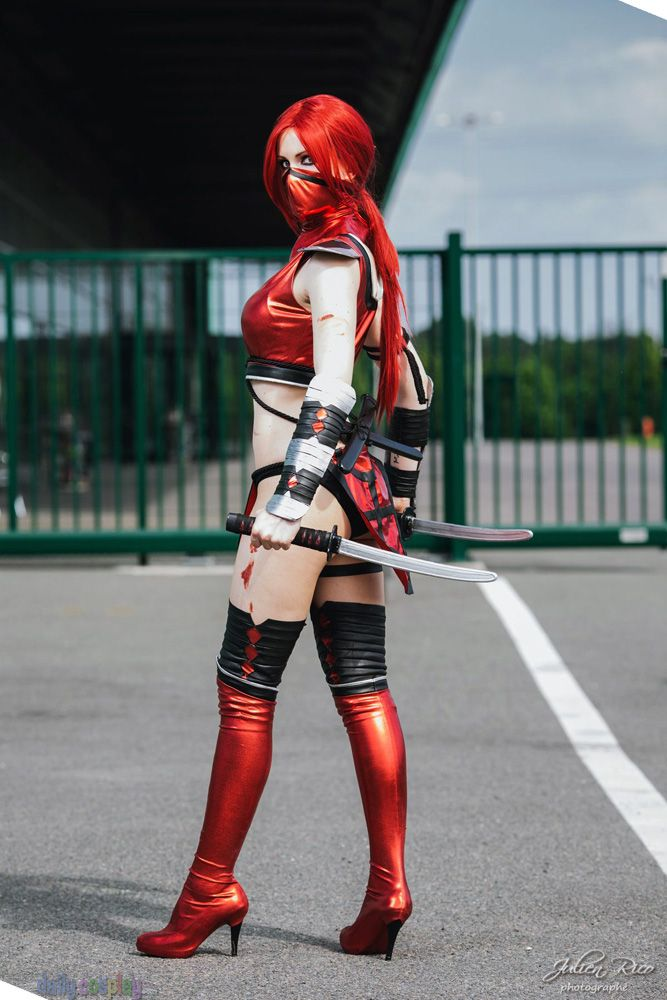 Scarlet Mortal Kombat 9 Cosplayer: Luce Cosplay Photographer: Julien Rico