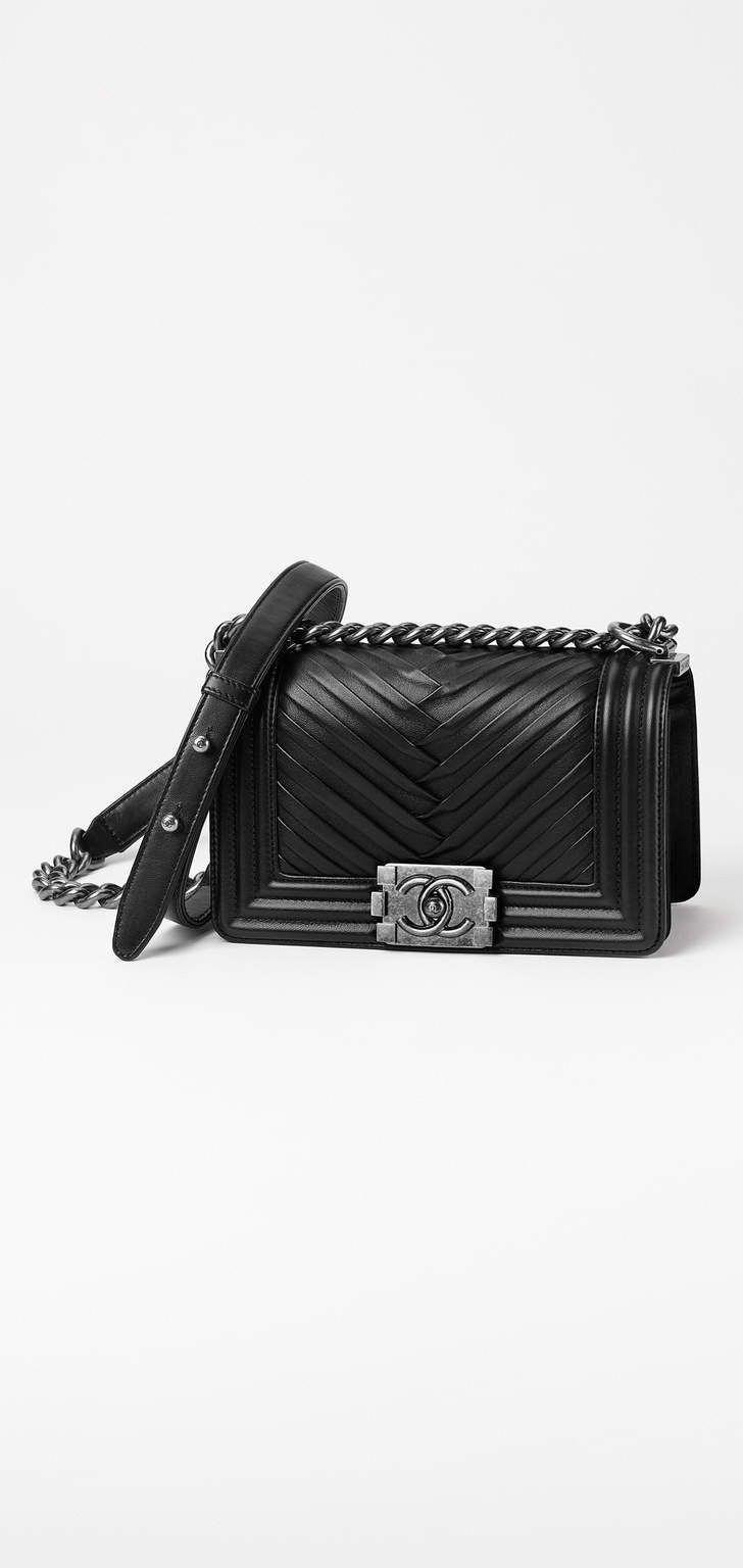 a5b811488bd5 Spring-Summer 2017 Pre-Collection - pleated lambskin & ruthenium metal-black  #Chanelhandbags