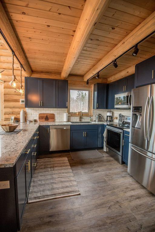 New Log Home auf 10 Hektar mit unwirklichen Ansich…