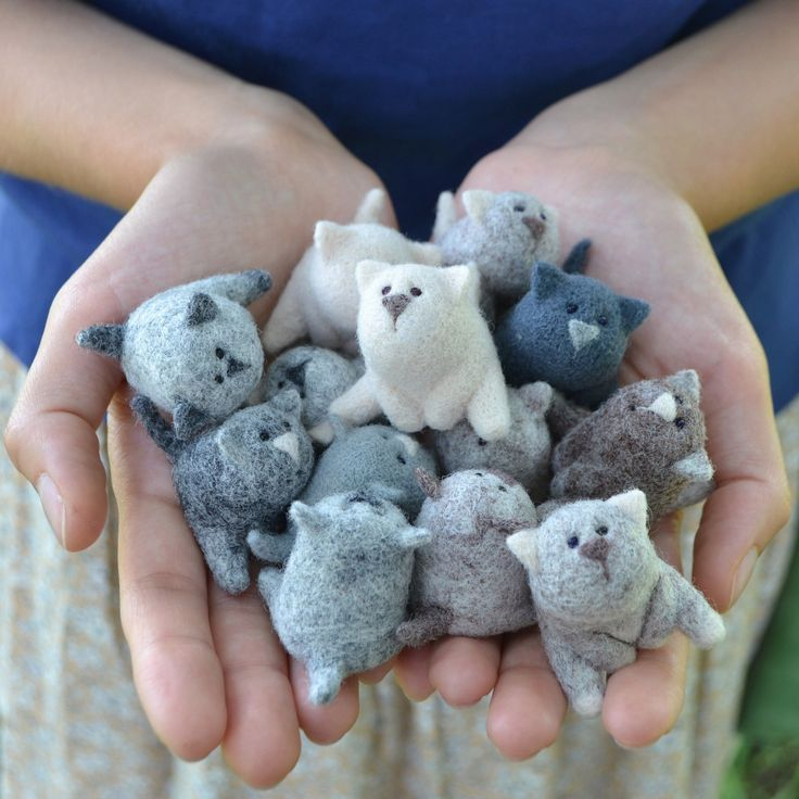 Needle Felt Kittens. I will stab my hands into a bloody mess trying to recreate these cuties. :D