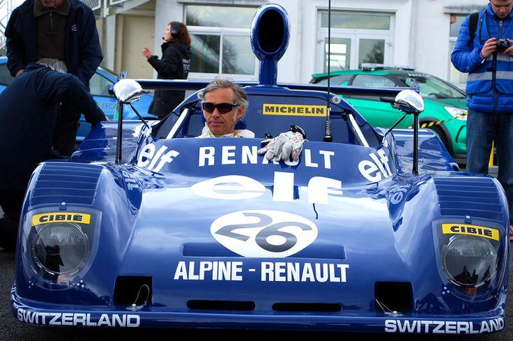 Notre ambassadeur Paul Belmondo au volant de la Renault Alpine A441 C aux #coupesdeprintemps