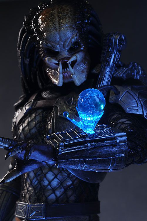 """""""What the fuck are you?""""  Classic Predator by Hot Toys"""