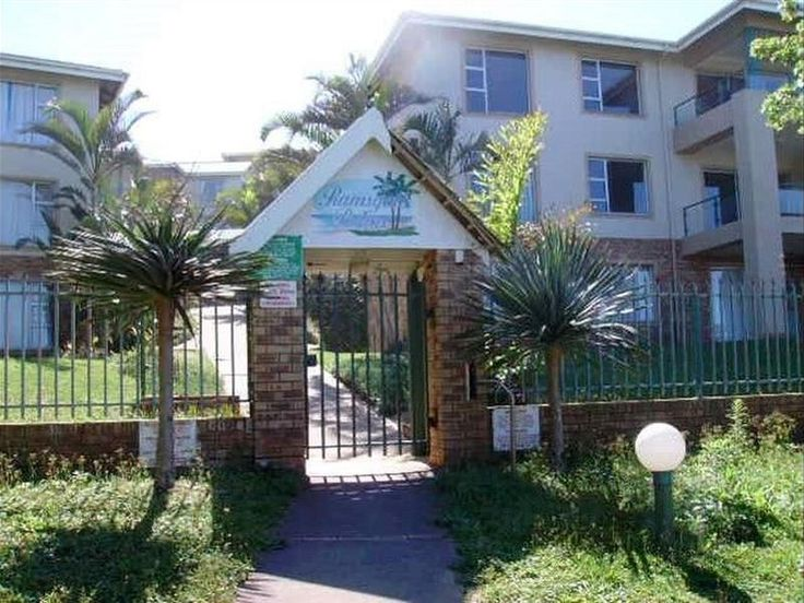 Matt's Place  - Matt's Place offers comfortable self-catering accommodation in a cosy ground-floor apartment, situated in the secure Ramsgate Palms complex, within short walking distance from the beach. The apartment ... #weekendgetaways #margate #southcoast #southafrica