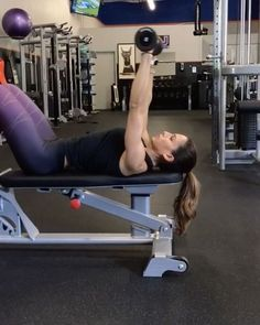 """4,692 Likes, 44 Comments - Alexia Clark (@alexia_clark) on Instagram: """"Slowing it down 1. 15 each side 2. 10 reps each 3. 12-15 reps 4. 12-15reps 3-4 rounds For a…"""""""