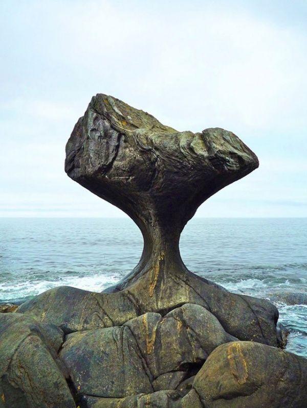 Камень-гриб Kannesteinen, Норвегия