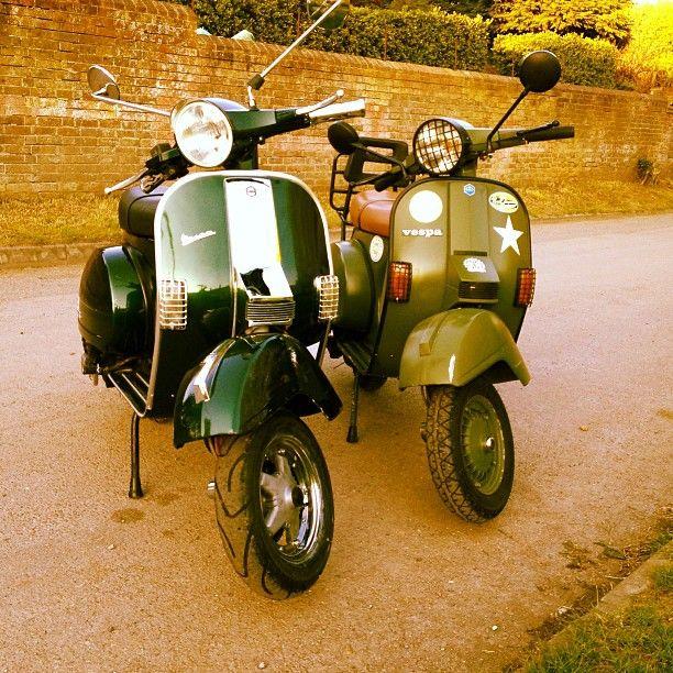 Green. Vespa. PX 125