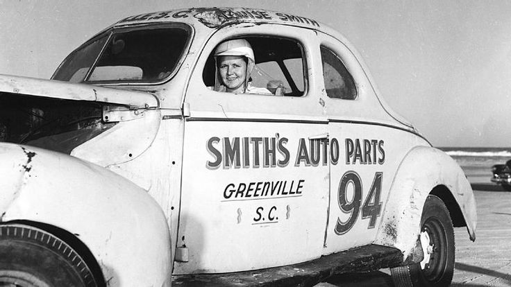 Louise Smith after finishing her first race: Daytona Beach 1949 http://ift.tt/2zIjvXd